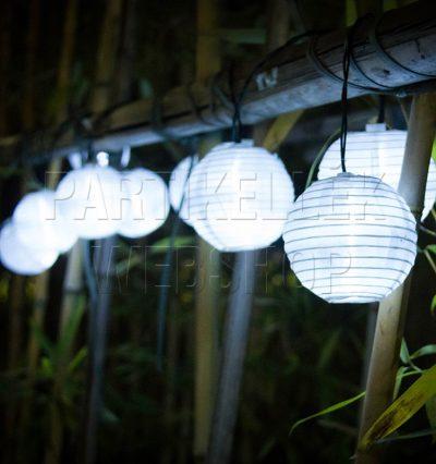 Napelemes lampionfüzérek