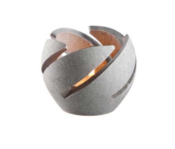 kőből készült gyertyatartó