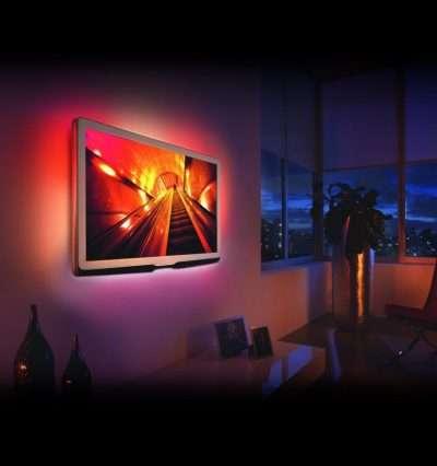 Az RGB LED szalag tv háttérvilágítás megfelelő háttérfényt biztosít, a sötét szobában a televíziót néző szeme később fárad el. Dekoratív megjelenést biztosít a televíziónak, kellemes fénnyel tölti el nappaliját vagy hálószobáját! A műsornak vagy hangulatának megfelelően a mellékelt távirányítóval könnyen változtathatja a világítás színét, erősségét, módját.